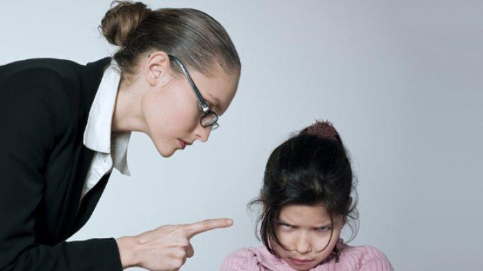 12 Kesalahan Orang Tua Dalam Mendidik Anak