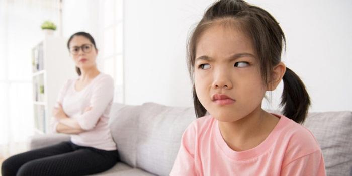 Ciri Anak Durhaka Pada Orangtua